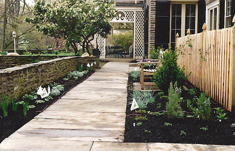 Landscape Curb Appeal - How It Increases the Value of Your Home 1
